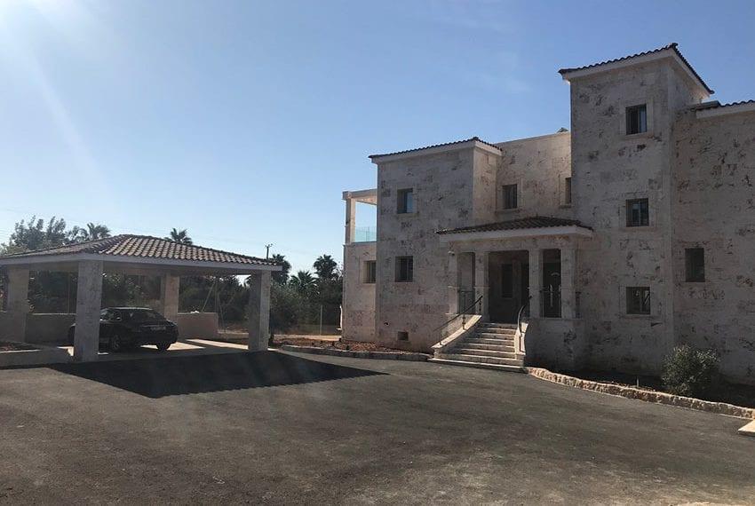 Luxury 7 Bedroom Villa for sale in Paphos Sea Caves03
