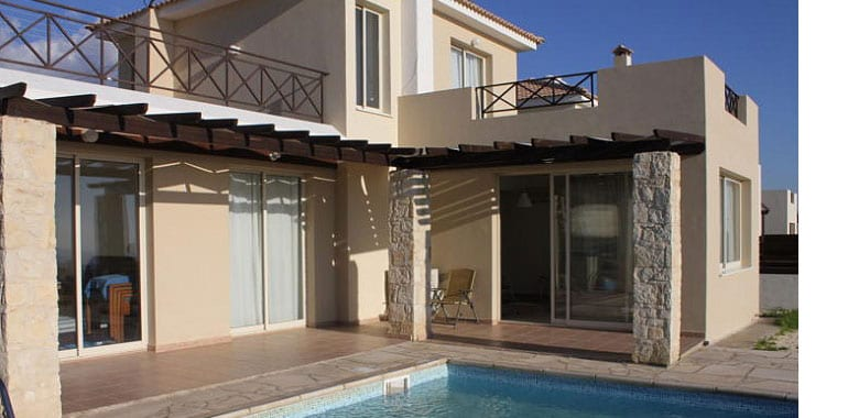 3 Bedroom Villa for Sale in Peyia with Private Pool