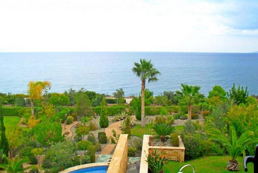 Impressive 4 Bedroom Villa for sale in Latchi