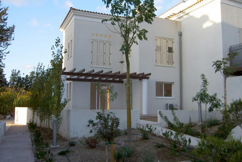 End of Lot Townhouse For Sale in Paphos