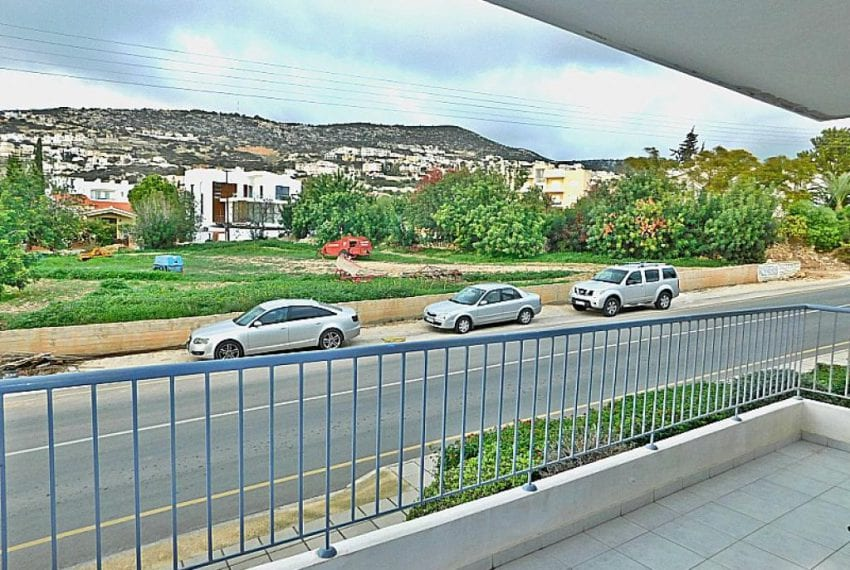 Spacious 1 bedroom Apartment for sale in Peyia