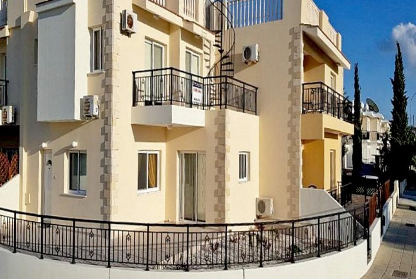3 Bedroom Townhouse For Sale in Paphos