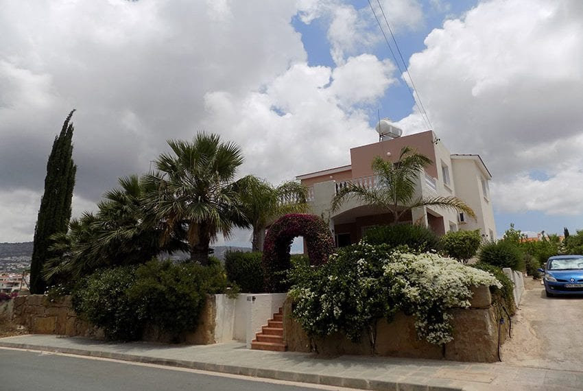 For Sale Villa With Pool In Cyprus