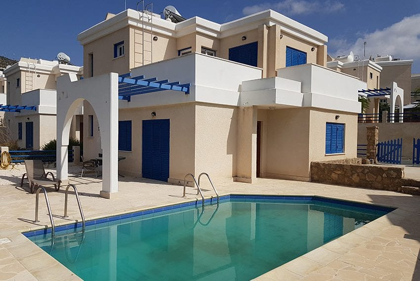 Private Villa for sale in Paphos' Tala Village with pool!02