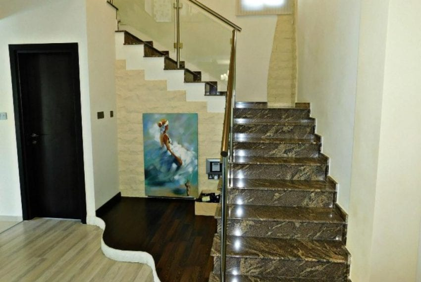 Contemporary Villa for Sale in Peyia with Modern Styling