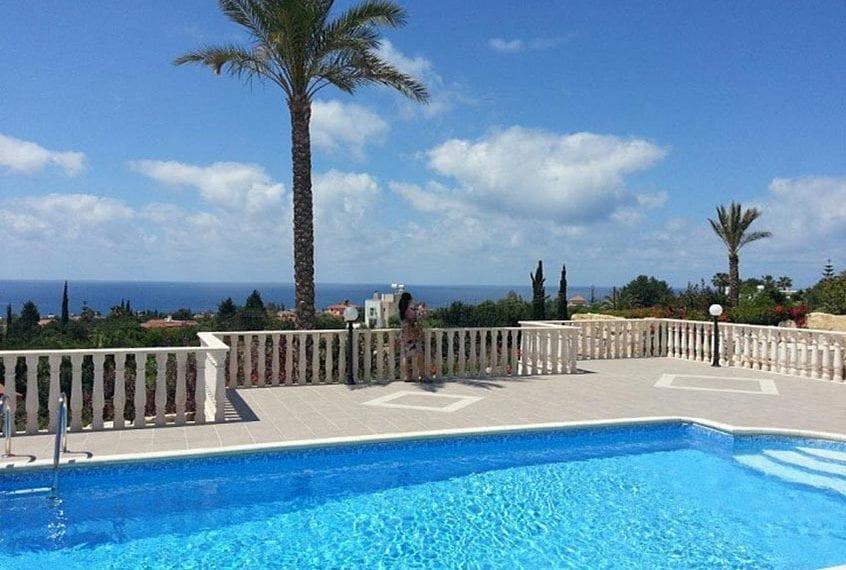 5 Bedroom Villa for Sale in Peyia, Sea Caves Area