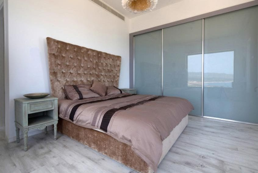 Luxurious 5 Bedroom SeasideVilla for sale in Paphos' St George