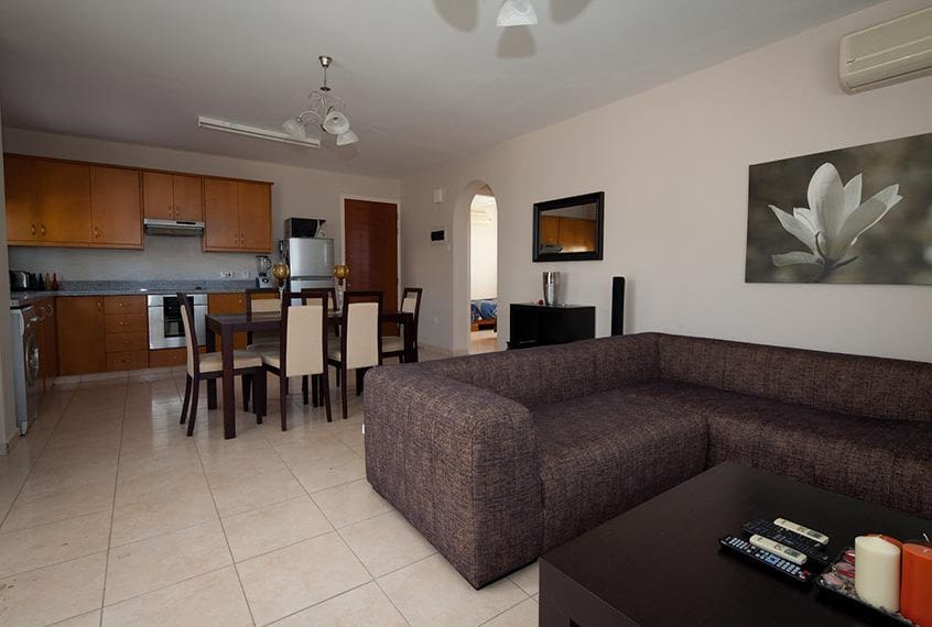 Spacious 2 BedroomApartment for sale in Peyia