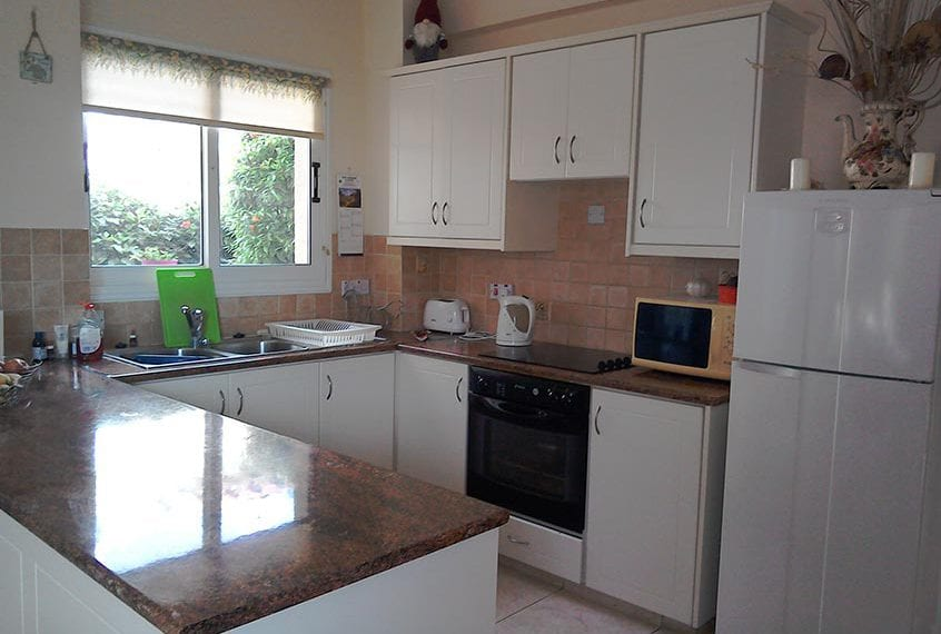 3 Bedroom Luxury Villa for Sale in Peyia, Coral Bay