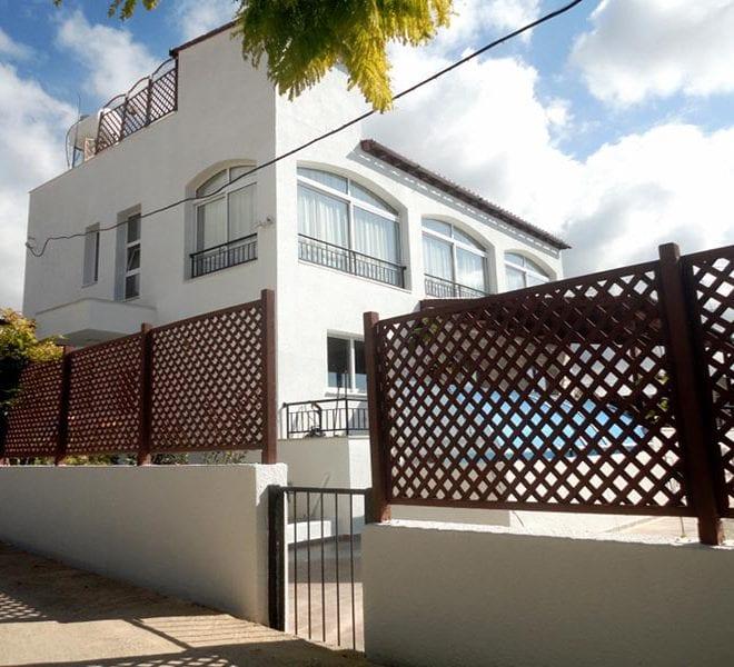 Spacious 4 bedroom luxury Villa for Sale in Peyia, With Studio