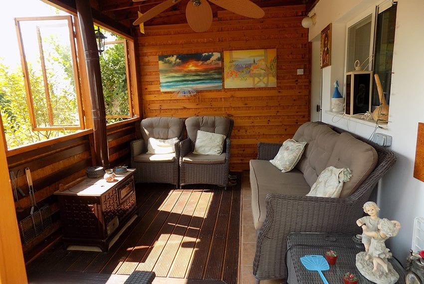 Resale 2 bedroom townhouse in Peyia