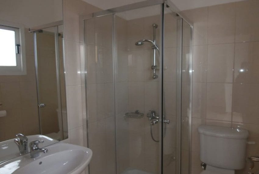 spacious 6 bedroom villa for sale in akoursos paphos12