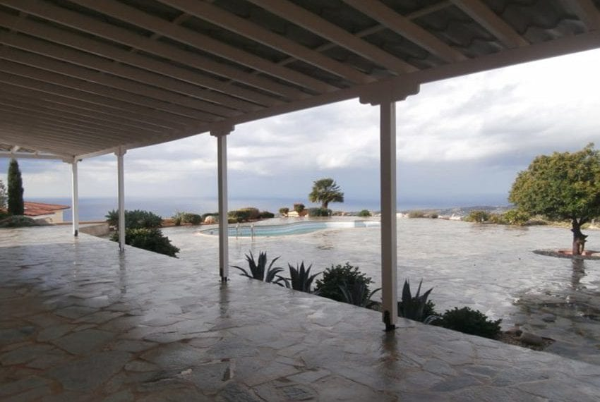 spacious 6 bedroom villa for sale in akoursos paphos17