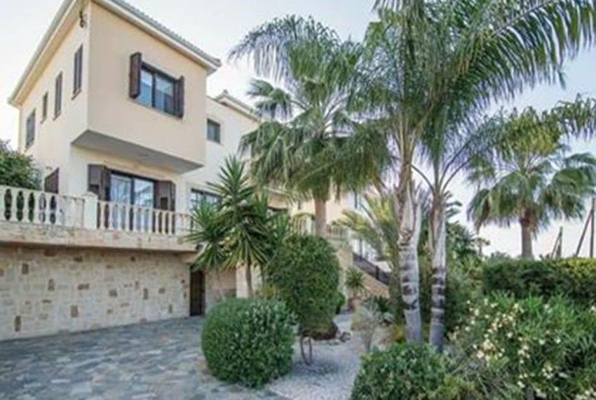 Spacious Villa for sale in Neo Chorio, Latchi02