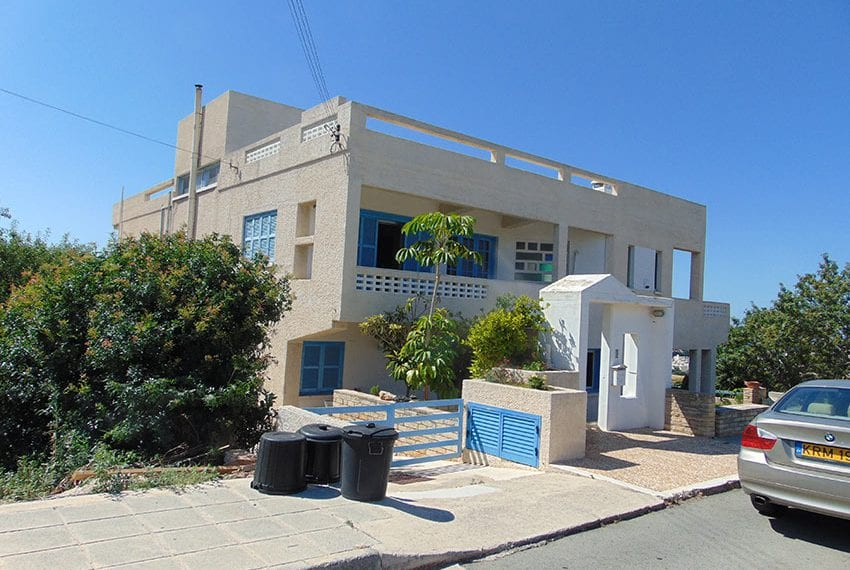 4 bedroom House for sale in Exo Vrisi, Paphos01