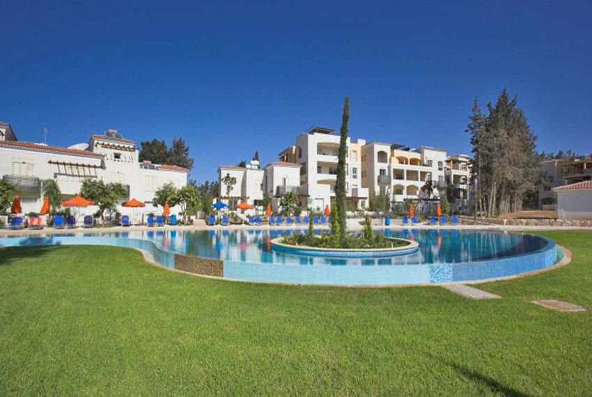 Spacious 2 bedroom apartment for sale in Kato Pafos