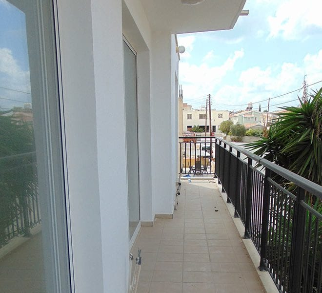 2 bedroom flat for sale in Chloraka, Paphos