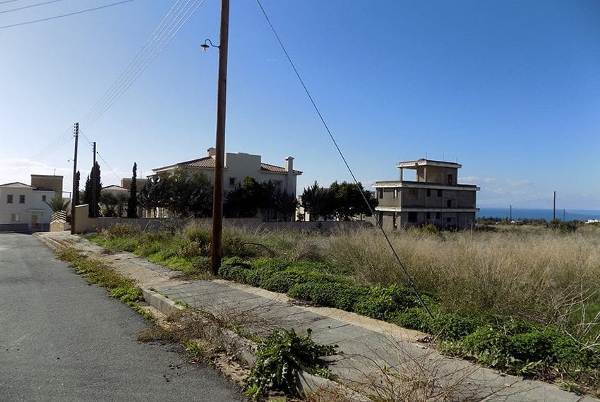 Large plot of land for sale in Tala village, Paphos