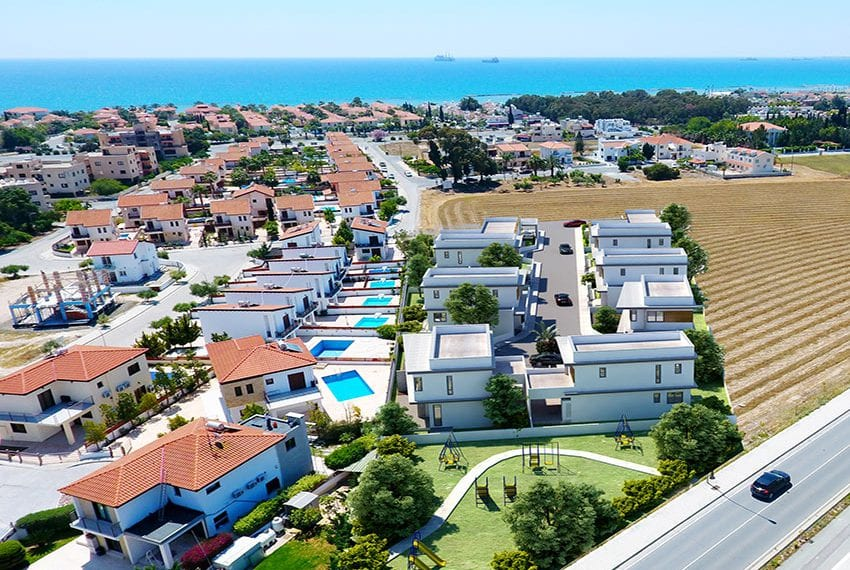 Detached villa for sale close to beach Larnaka01