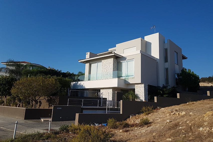 Modern 5 bedroom house for sale in Limassol02