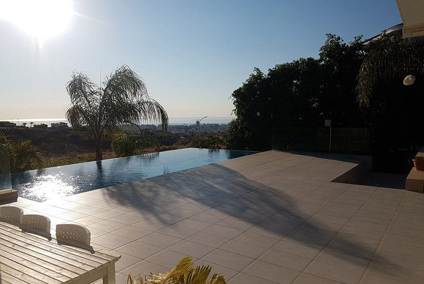 Modern 5 bedroom house for sale in Limassol06