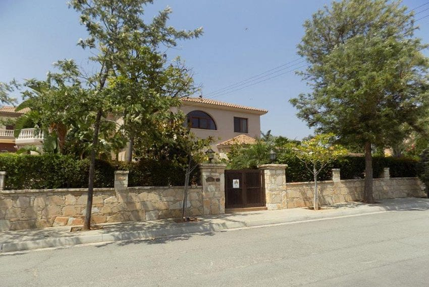 Luxury 5 bed villa for sale with sea views Limassol23