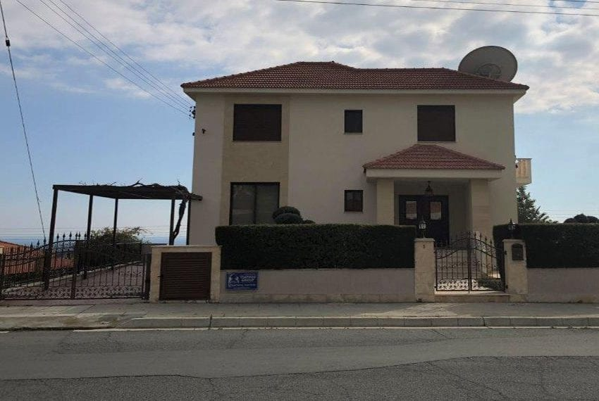Luxury villa for sale in Sfalaggiotissa area Limassol