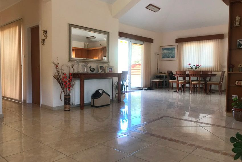 Spacious 3 bedroom bungalow for sale in Pyrgos