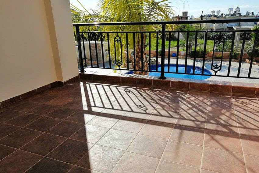 Apartment for sale with roof terrace Universal, Paphos