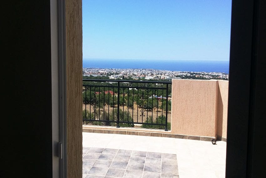 Top floor apartment with large balcony in Pafos