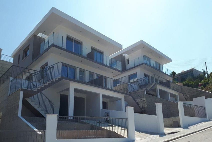 Modern 3 bedroom town house for rent in Tala01