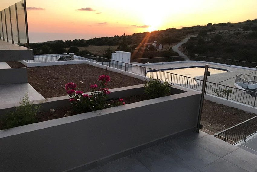 Modern 3 bedroom town house for rent in Tala15