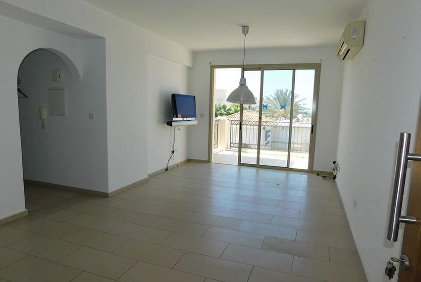 Resale 3 bed apartment for sale in Paphos