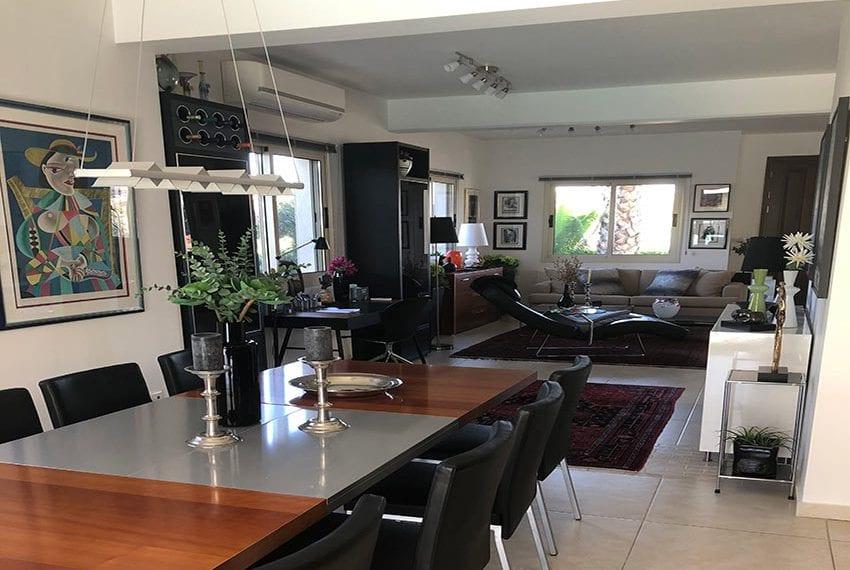 Spacious 4 bedroom villa for sale in Limassol, Pyrgos01