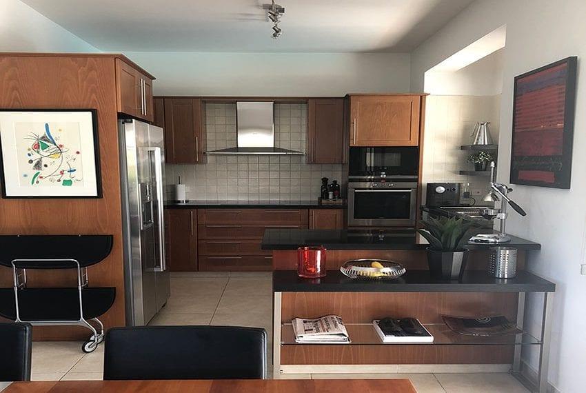 Spacious 4 bedroom villa for sale in Limassol, Pyrgos02