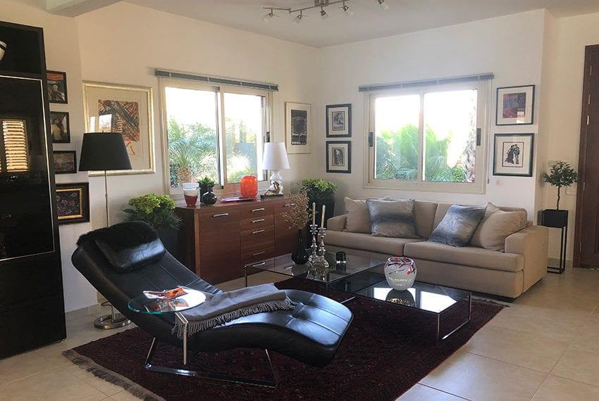 Spacious 4 bedroom villa for sale in Limassol, Pyrgos03