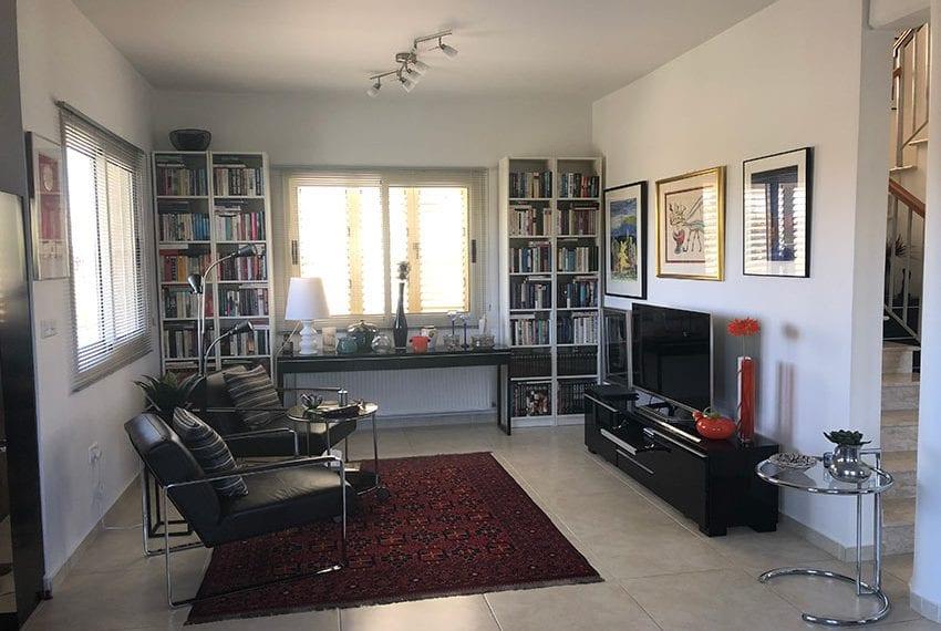Spacious 4 bedroom villa for sale in Limassol, Pyrgos04
