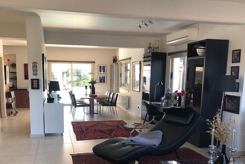 Spacious 4 bedroom villa for sale in Limassol, Pyrgos07