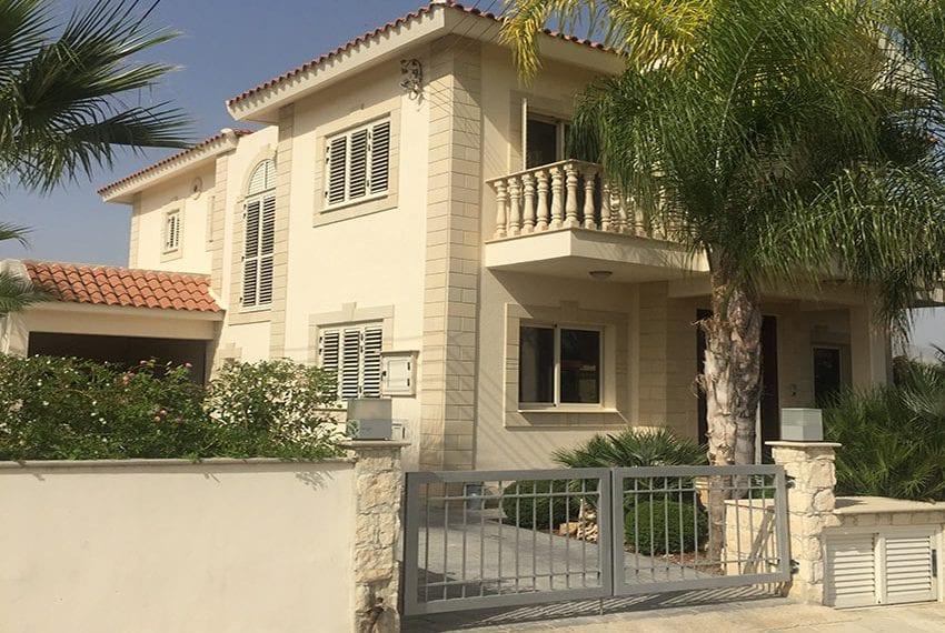 Spacious 4 bedroom villa for sale in Limassol, Pyrgos23