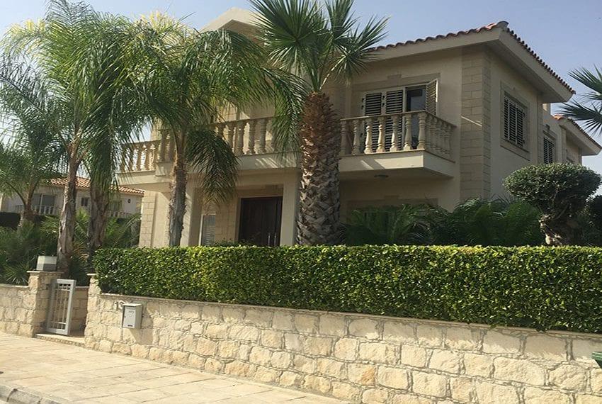Spacious 4 bedroom villa for sale in Limassol, Pyrgos25