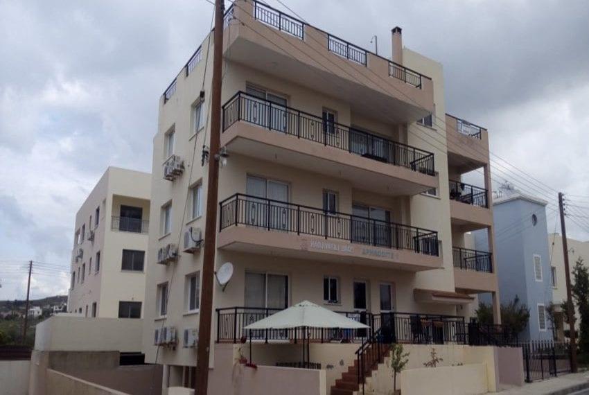 Aphrodite gardens top floor 1 bed apartment Yeroskipou