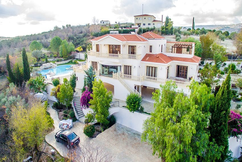 Luxury 5 bedroom villa for sale in Letymbou village