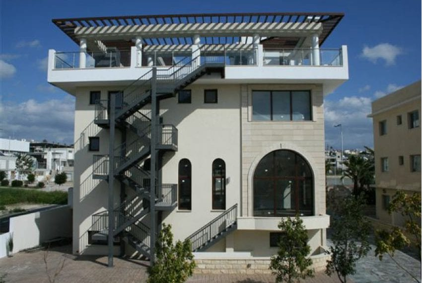 commercial building for sale in kato paphos04
