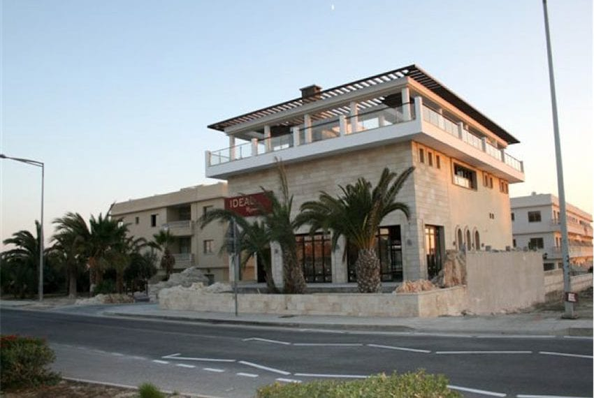 commercial building for sale in kato paphos05
