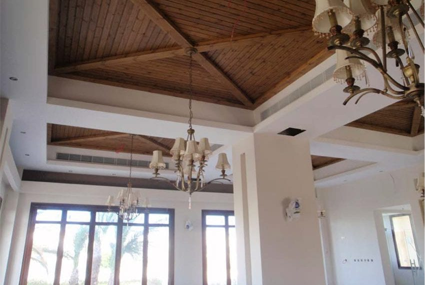 commercial building for sale in kato paphos08