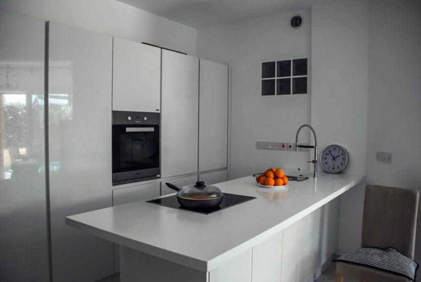 apartment for sale near beach in limassol08