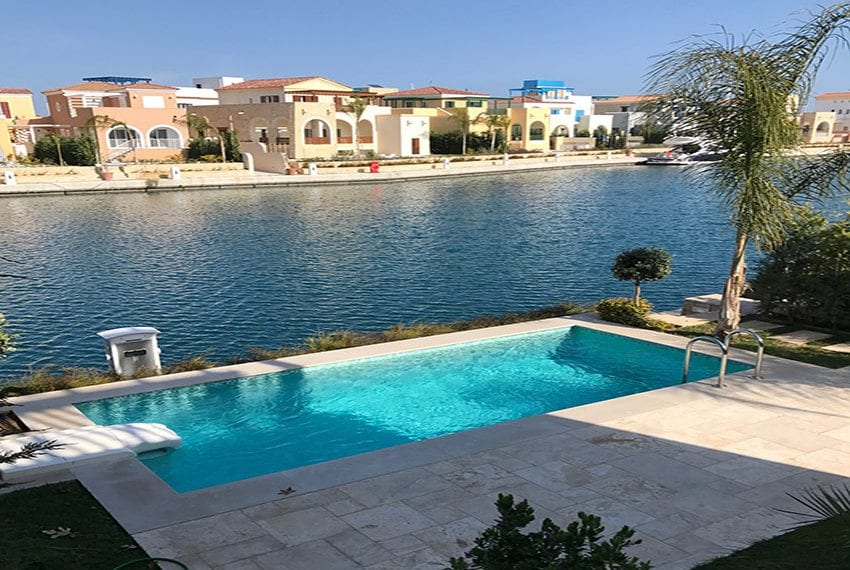 Luxury villa with private pool for rent in Limassol marina