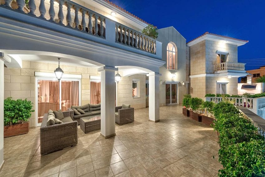 Luxurious 5 bedroom villa for sale Agios Tychonas