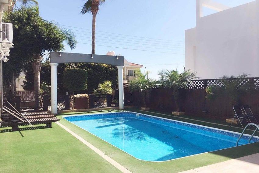 Luxury 5 bedroom villa for sale in Linopetra