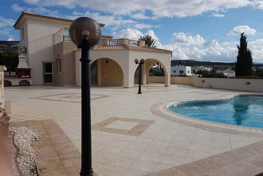 Luxury-villa-for-sale-in-Sea-Caves-with-title-deeds22